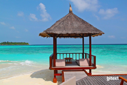 beach-hut-237489_1280-1
